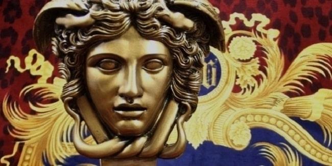 Biểu tượng đầu Medusa nổi tiếng của Versace