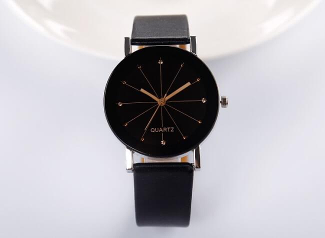 Đồng hồ Quartz với độ chính xác cao