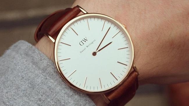 Vệ sinh dây da đồng hồ giúp tăng tuổi thọ sử dụng